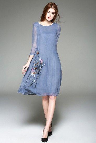 刺绣八分袖中长款连衣裙第1张