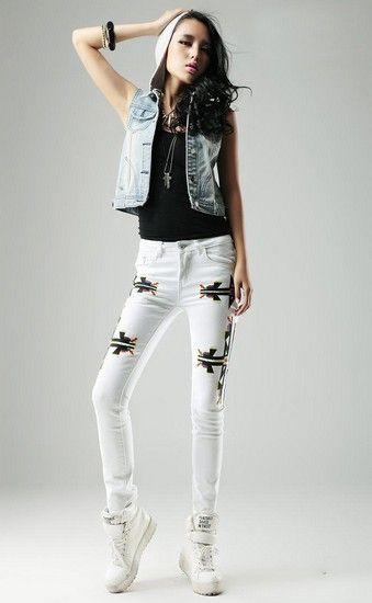 白色刺绣修身低腰牛仔裤第1张