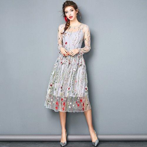 刺绣印花连衣裙