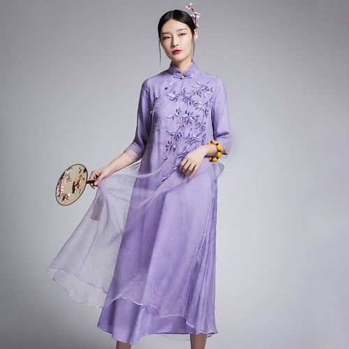 纯色网纱刺绣长裙第1张