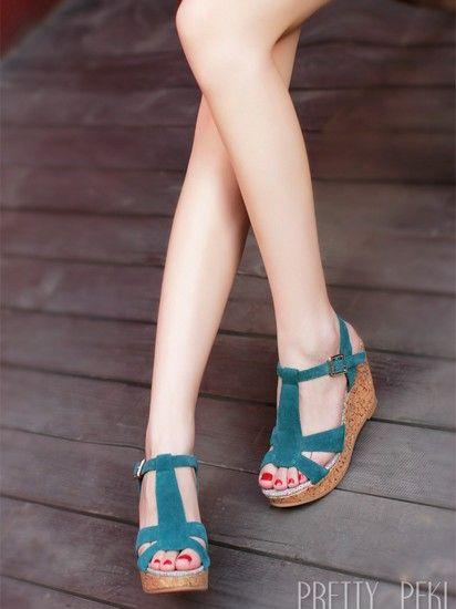 仿木坡跟纯色凉鞋第1张