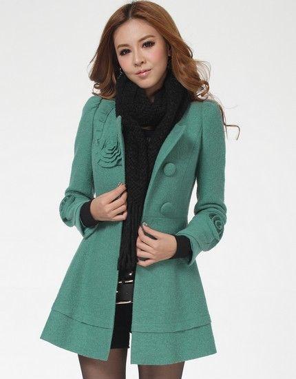 立体花型保暖大衣第1张