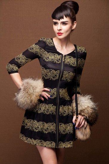 金丝条纹七分袖连衣裙第1张