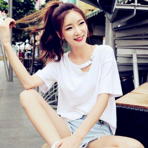 宽松镂空纯棉短袖T恤第1张