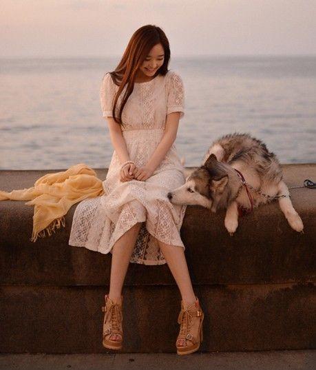 蕾丝高腰纯色长裙 第1张