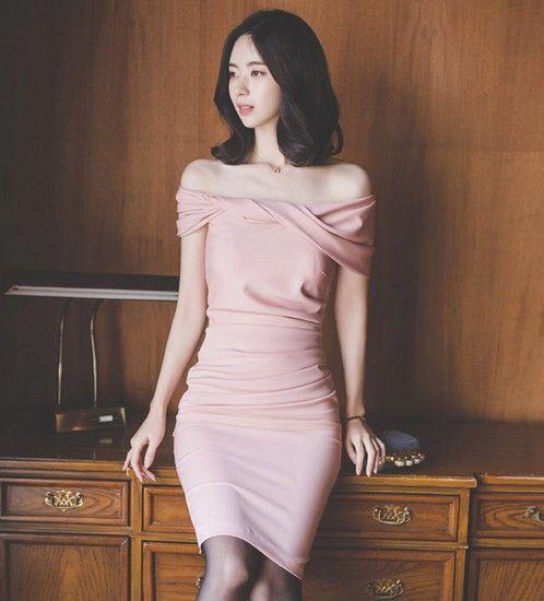露肩包臀连衣裙第1张