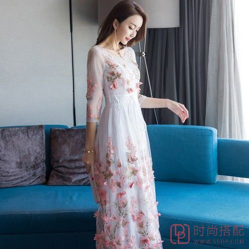立体花朵七分袖连衣裙第3张