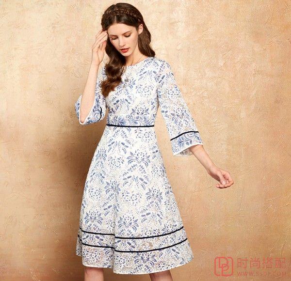 青花瓷蕾丝连衣裙第2张