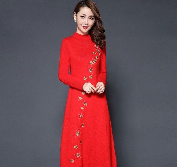 中长款刺绣羊毛针织裙第1张